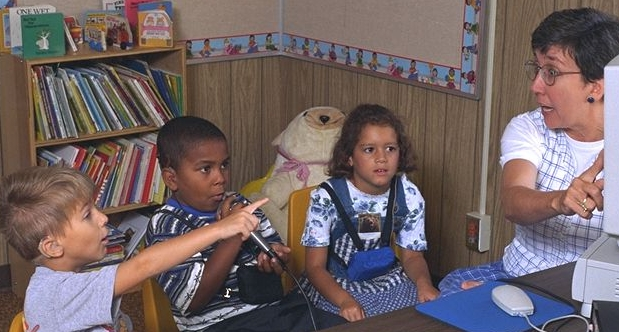 Hearing-impaired children enjoy therapy with Video Voice